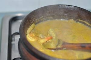 allow to thicken Shrimp Curry with Coconut and Bilimbi Fruit