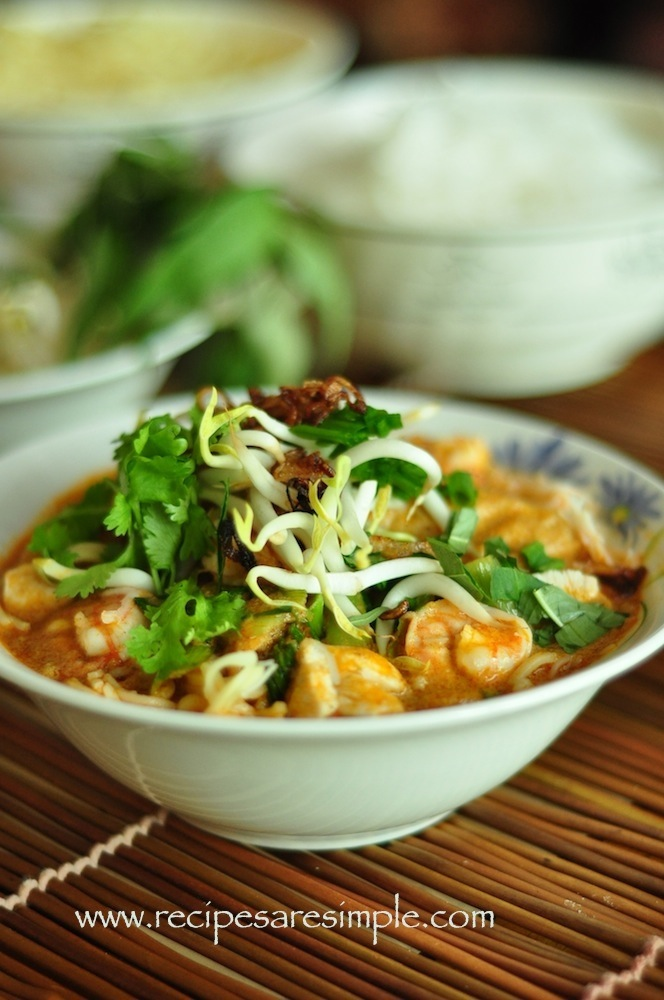 laksa3 Malaysian Laksa Recipe Curried Noodle Soup with Prawns and Fresh Herbs