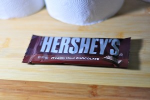 hersheys chocolate 300x199 How to make Chocolate Shell Topping for Ice cream