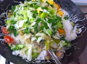 return all ingredients 300x223 White Bee hoon with Vegetables & Egg