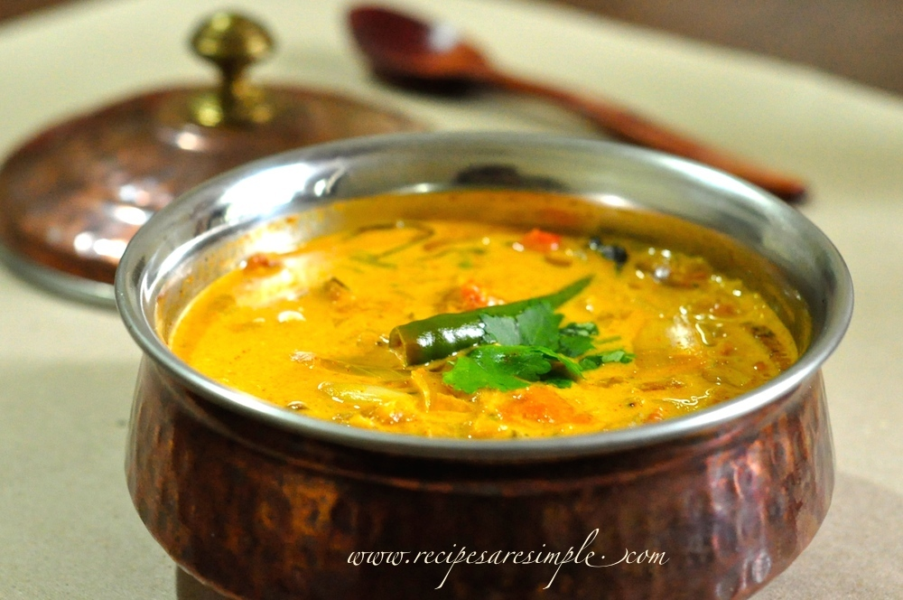tomato curry with coconut milk 1 Tomato Curry with Coconut Milk Simple Kerala Style