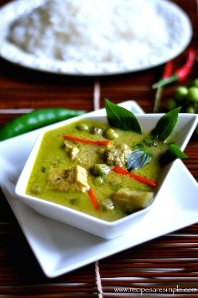 thai green curry with chicken Thai Green Curry Chicken แกงเขียวหวานไก่ Green Curry Paste