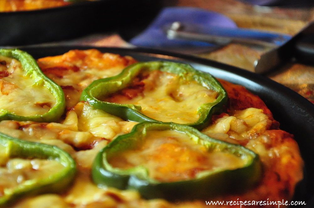 cheese and pepper pizza Cheese and Bell Pepper Pizza Moroccan Style